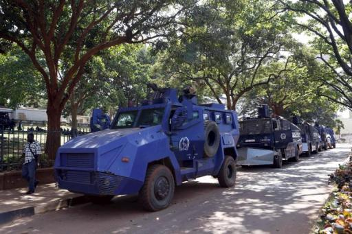 uganda-police-riot-control